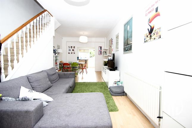 Thumbnail End terrace house to rent in Perry Hill, London