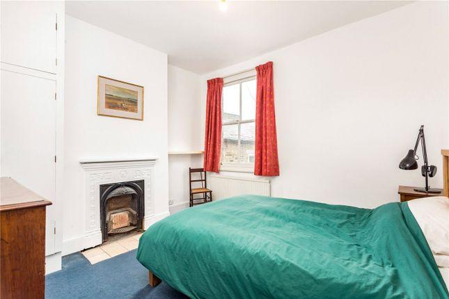 Picture No. 04 of Collingbourne Road, London W12
