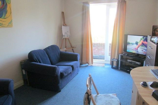 Thumbnail Flat to rent in Old Coach Mews, Parkstone, Poole
