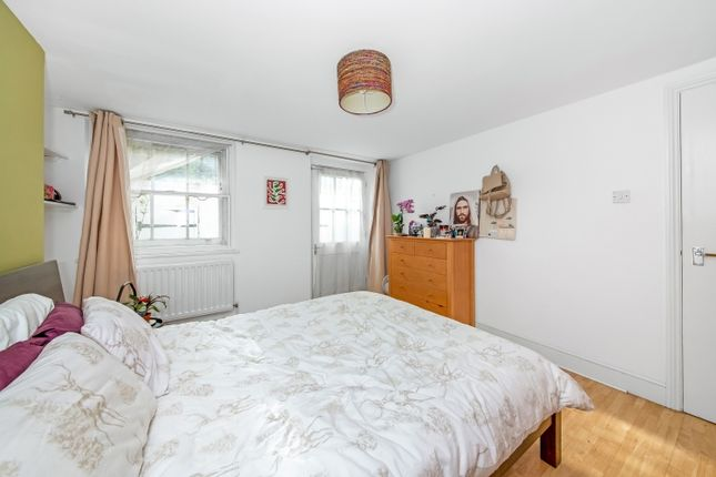Bedroom of New Cross Road, London SE14