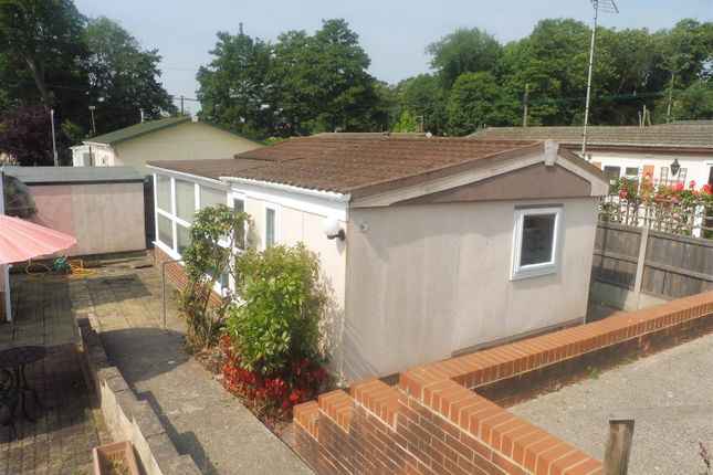 Thumbnail Mobile/park home for sale in Church Road, Gosfield, Halstead