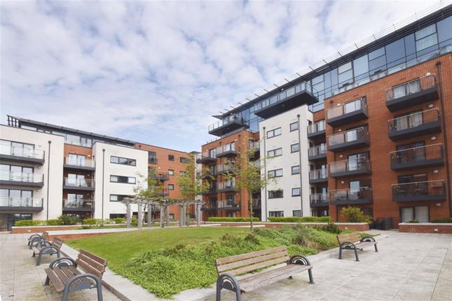 Thumbnail Flat for sale in Ocean Way, Southampton