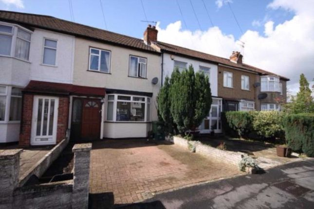 Thumbnail Detached house to rent in Lambton Avenue, Cheshunt, Waltham Cross