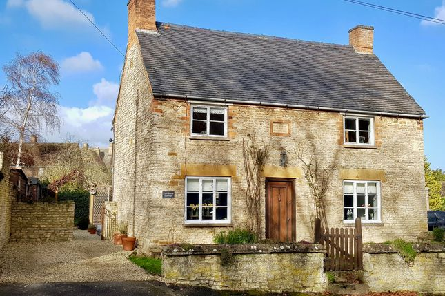 Thumbnail Detached house for sale in Brook Lane, Newbold On Stour