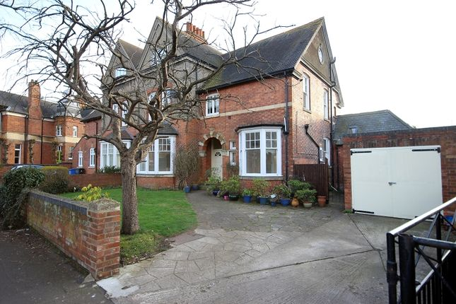 Thumbnail Maisonette to rent in Queensberry Road, Kettering, Northamptonshire.