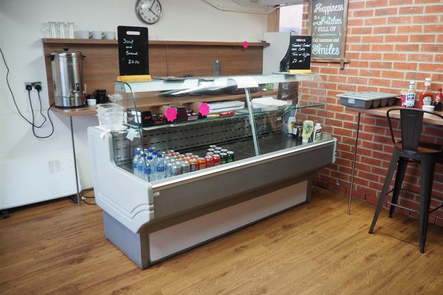 Restaurant/cafe for sale in Cafe & Sandwich Bars BD11, Drighlington, West Yorkshire