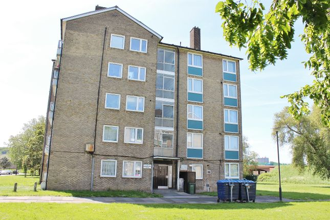 Thumbnail Flat for sale in Bromholm Road, Abbey Wood, London