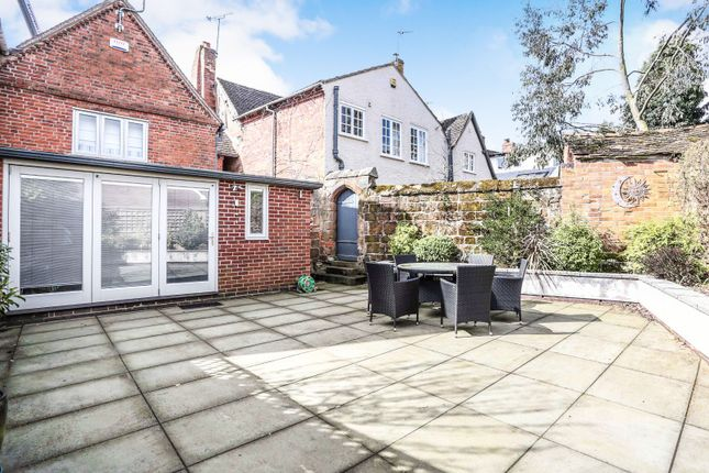 Thumbnail Terraced house to rent in High Street, Kenilworth
