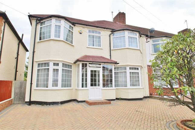 Turners morden sm4 property for sale from turners for Morden houses for sale