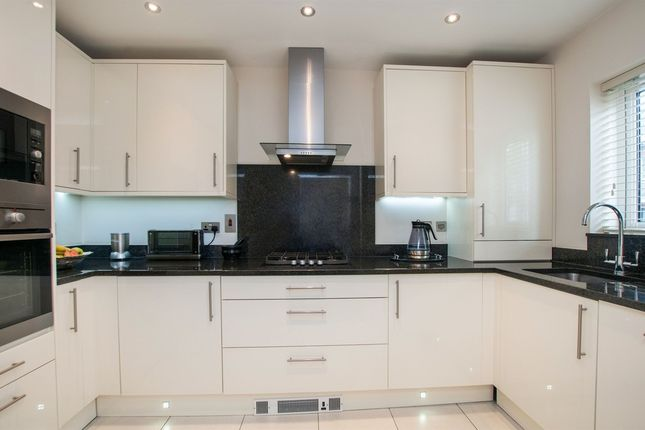 Thumbnail Detached house to rent in Green Lane, Purley