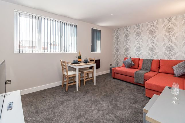 Thumbnail Flat to rent in Flat 1, Copley Road