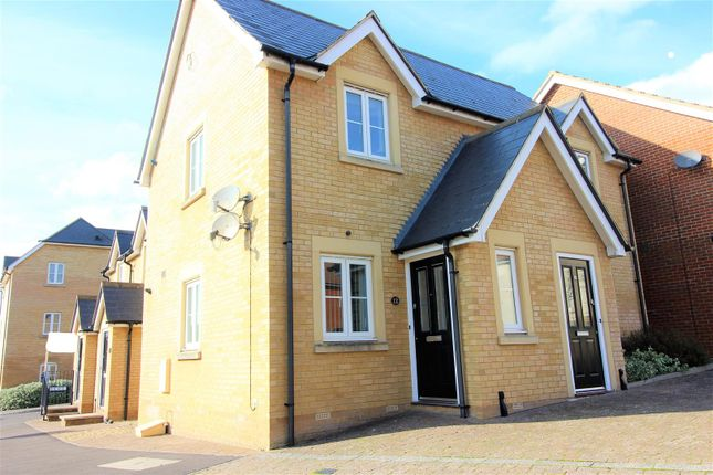 Thumbnail Property for sale in Doulton Close, Swindon