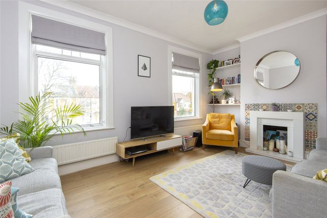 2 bed flat for sale in Vicarage Road, Leyton, London E10