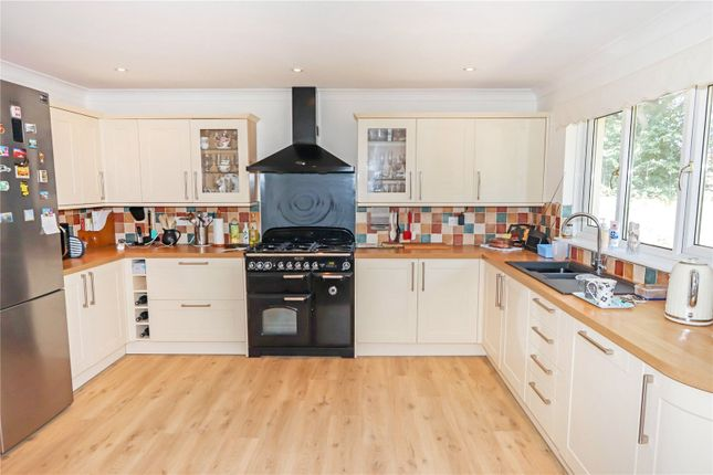 Picture No. 29 of Lagoon View, West Yelland, Barnstaple EX31