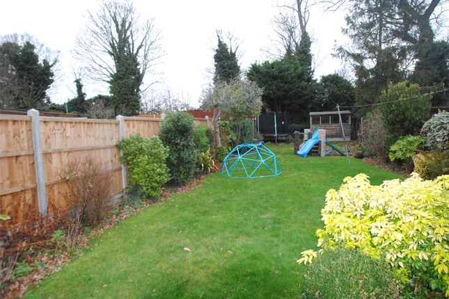 Picture No. 09 of Brookdale Close, Upminster RM14