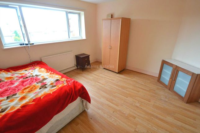Thumbnail Flat to rent in Cintra, Northumberland Avenue, Reading