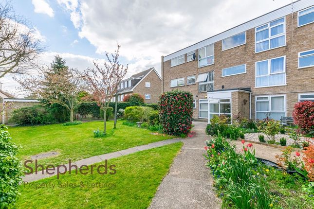 Thumbnail Flat for sale in Barclay Court, Park View, Hoddesdon, Hertfordshire