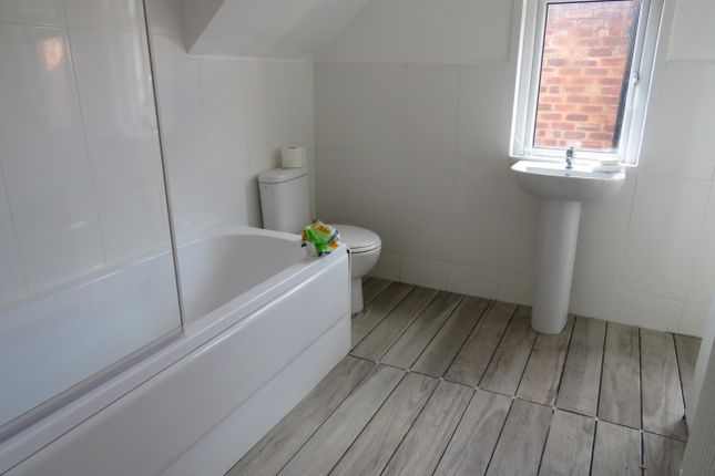Thumbnail Property to rent in Goldthorn Hill, Wolverhampton