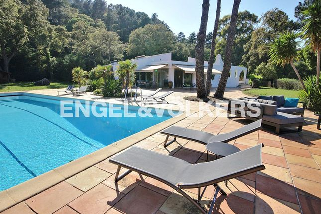 Thumbnail Property for sale in Fréjus, France
