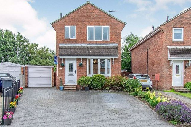 3 bed detached house to rent in Fernlea Close, Selby YO8