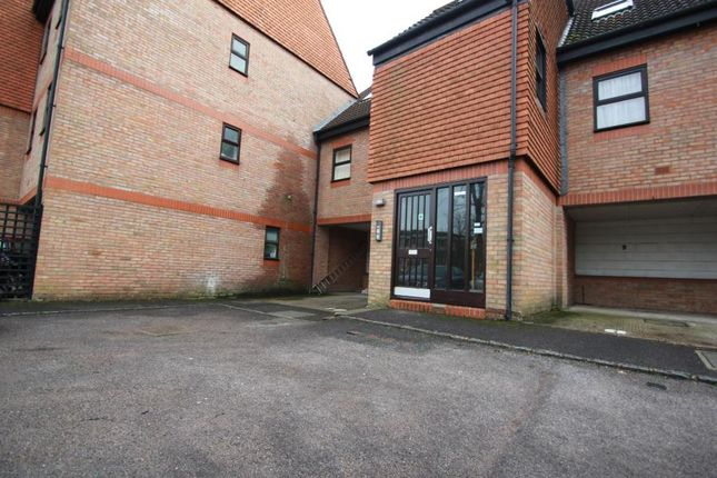 1 bed flat to rent in Carmel Close, Mount Hermon Road, Woking