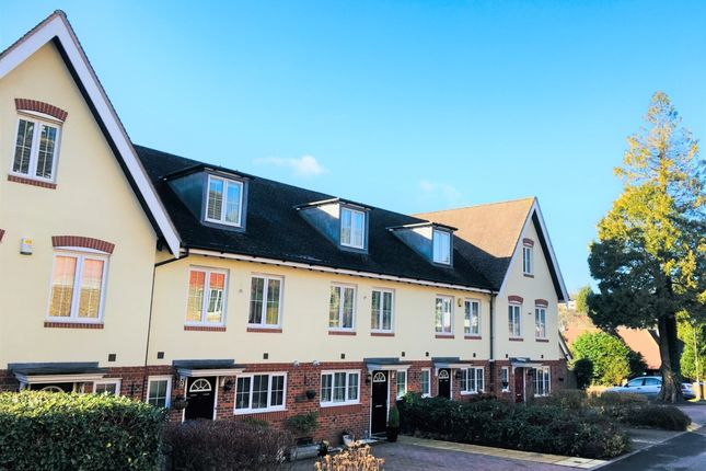 Thumbnail Town house to rent in Park View, Caterham