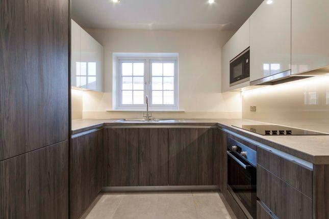 Thumbnail Flat to rent in Ferard Corner, Woodhurst Park, Warfield