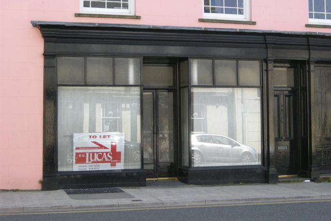 Commercial property to let in Bush Street, Pembroke Dock