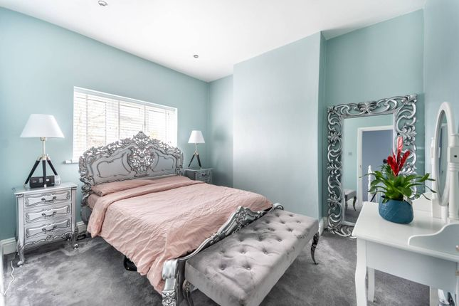 End terrace house for sale in Station Grove, Wembley