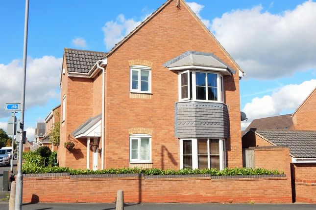 Thumbnail Detached house for sale in Holly Grove Lane, Burntwood