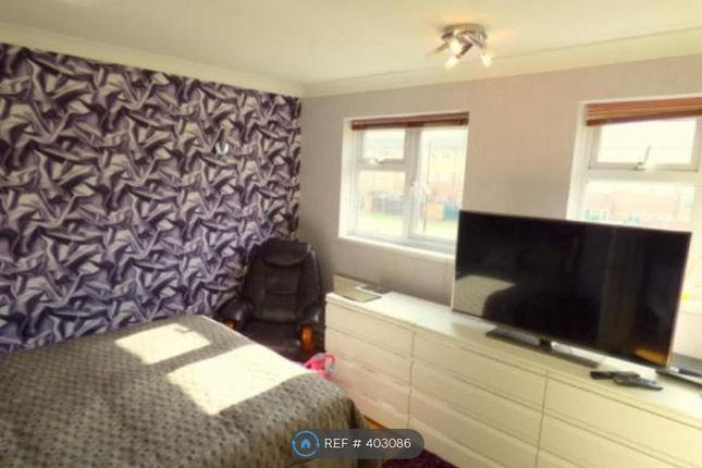 Thumbnail Room to rent in Redcroft Road, Southall