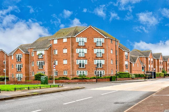 Thumbnail Flat for sale in Squires Grove, New Invention, Willenhall