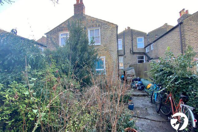 Picture No. 08 of Billington Road, London SE14