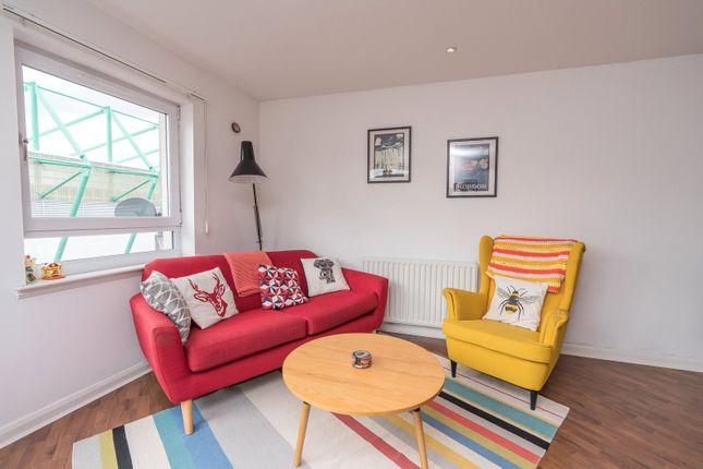 Lounge Alt of Hawkhill Close, Edinburgh EH7