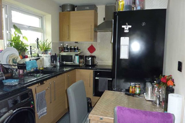 Kitchen of Barclay Road, London N18