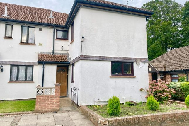 Thumbnail Semi-detached house to rent in Woking, Surrey