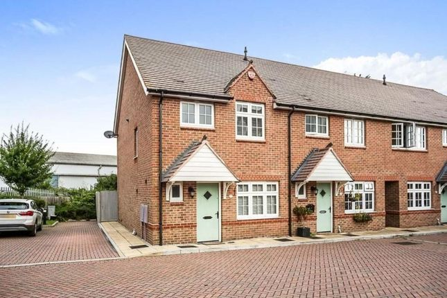 3 bed semi-detached house to rent in Lakeside Avenue, Faversham ME13