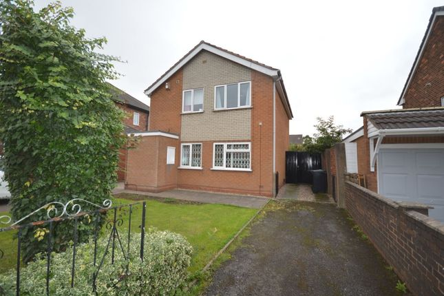 Thumbnail Flat for sale in Lea Avenue, Wednesbury