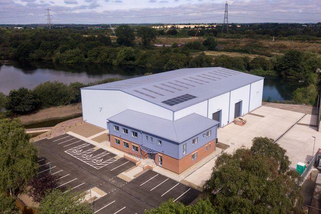 Warehouse to let in Marsh Lane, Water Orton, Birmingham
