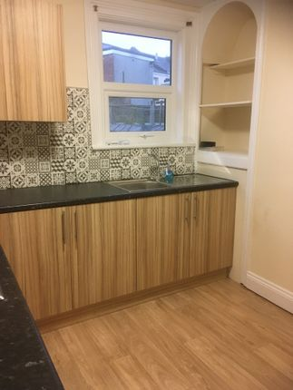 Kitchen of Stenlake Terrace, Plymouth PL4