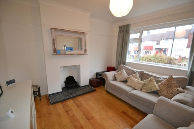 Thumbnail Property to rent in Bramdean Crescent, London
