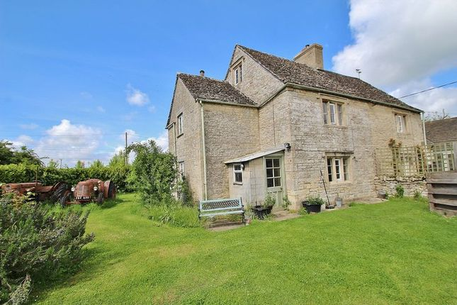 2 bed cottage for sale in Chimney, Bampton