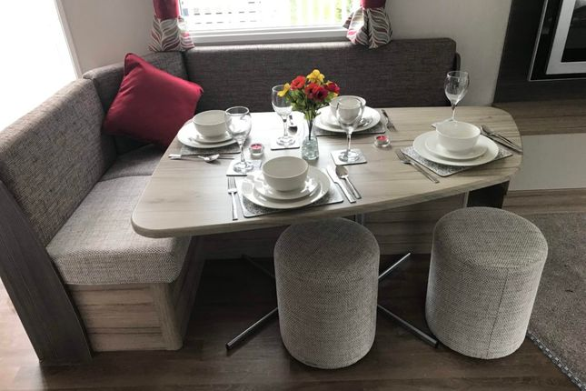 Dining Swift Loire Plus Small Use