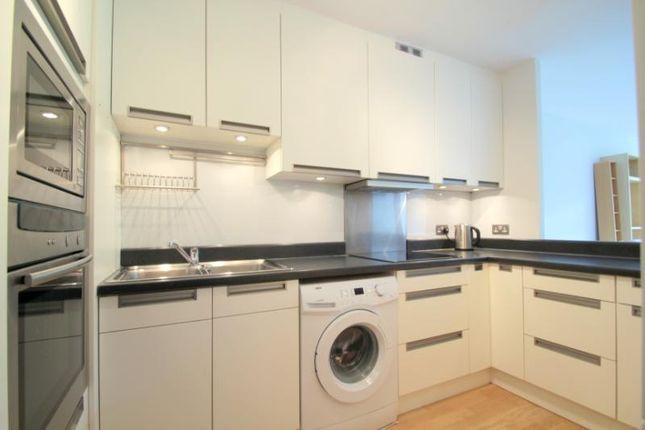 Picture No.26 of Defoe House, Barbican, London EC2Y