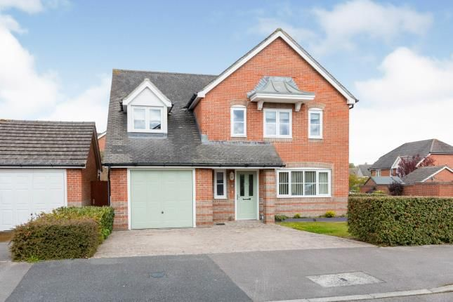5 bed detached house for sale in Highfields, Basingstoke, Hampshire RG22