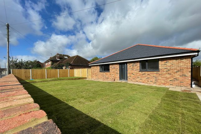 4 bed bungalow for sale in Woodnesborough Road, Sandwich, Kent CT13
