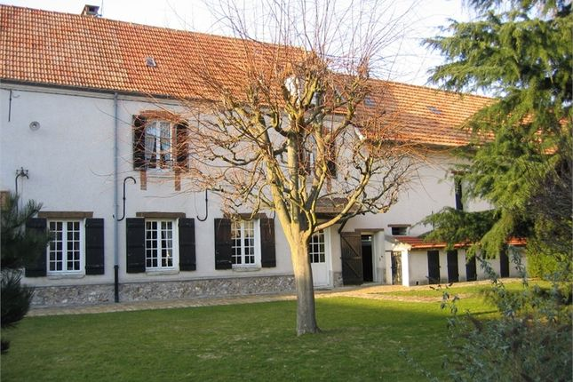 Thumbnail Barn conversion for sale in Île-De-France, Seine-Et-Marne, Bussy Saint Georges