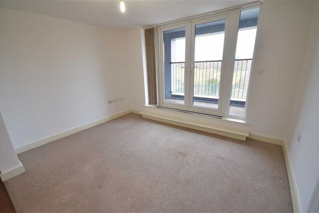 Thumbnail Flat to rent in Juniper House, Salford Quays, Salford