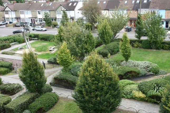 Thumbnail Flat to rent in Hampton Gardens, Cromwell Road, Cambridge