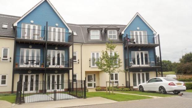 Thumbnail Flat to rent in Tyhurst, Middleton